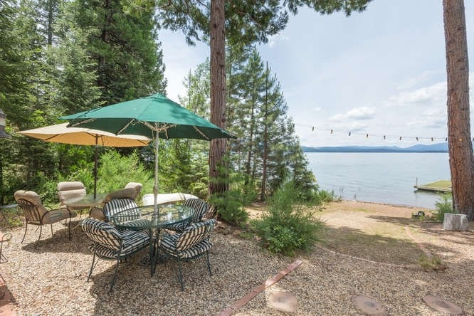Additional photo for property listing at 4861 Highway 147 Lake Almanor, California 96137 Estados Unidos
