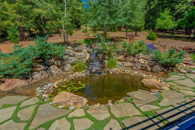 Additional photo for property listing at 915 Golf Club Road Lake Almanor, California 96137 Estados Unidos