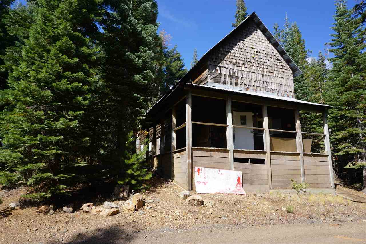 Single Family Home for Active at 1225 Highlands Road 1225 Highlands Road Bucks Lake, California 95956 United States