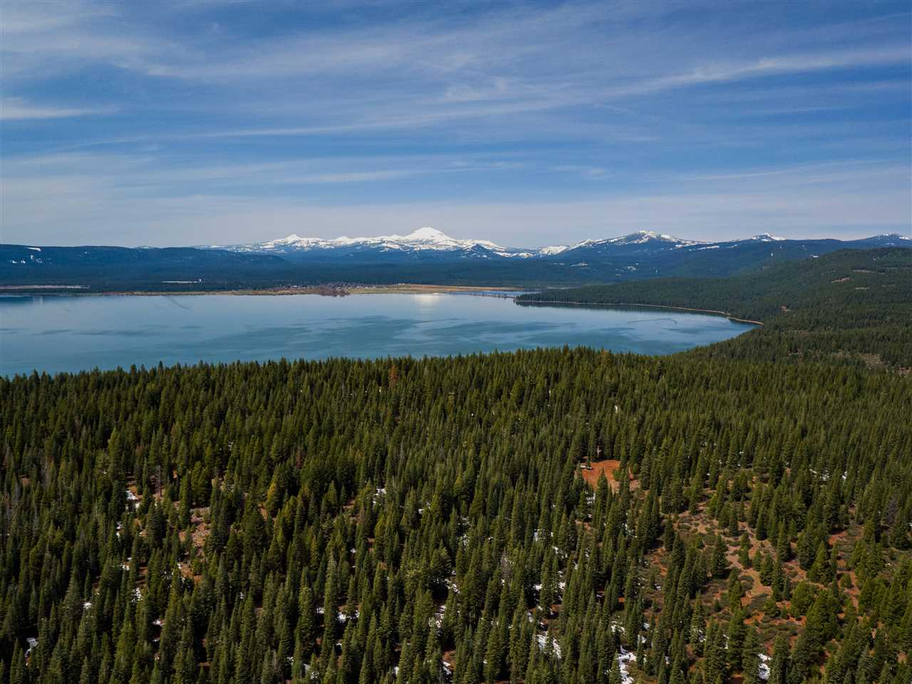 Acreage for Active at Clifford Drive Lake Almanor, California 96137 United States