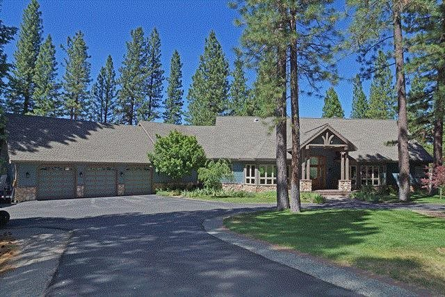 Single Family Homes for Active at 858 Smith Creek Road Graeagle, California 96103 United States