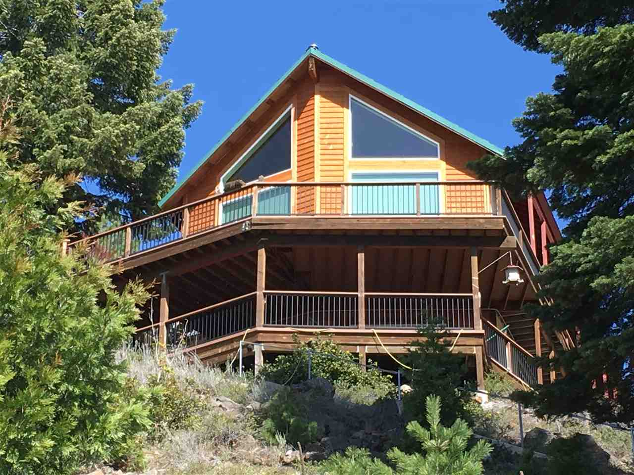 Single Family Home for Active at 827 Lassen View Drive 827 Lassen View Drive Lake Almanor, California 96137 United States