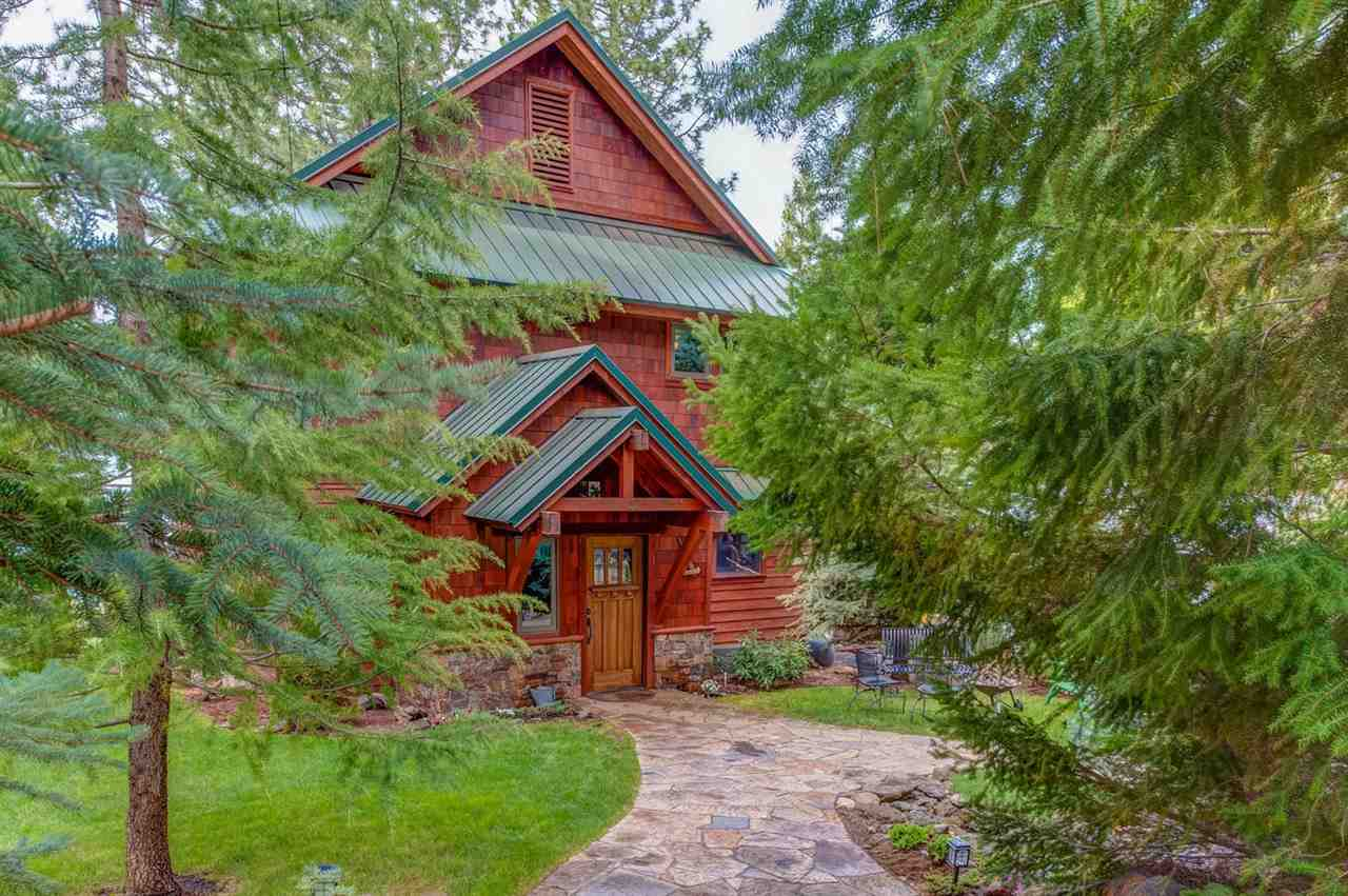 Single Family Home for Active at 3672 Lake Almanor Drive 3672 Lake Almanor Drive Lake Almanor, California 96137 United States