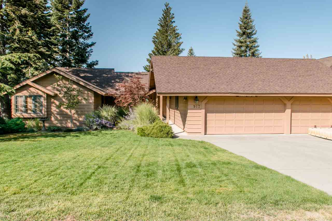Single Family Home for Active at 917 Lassen View Drive 917 Lassen View Drive Lake Almanor, California 96137 United States