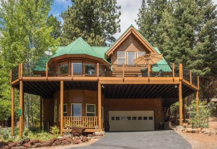 Single Family Home for Active at 159 Peninsula Drive 159 Peninsula Drive Lake Almanor, California 96137 United States