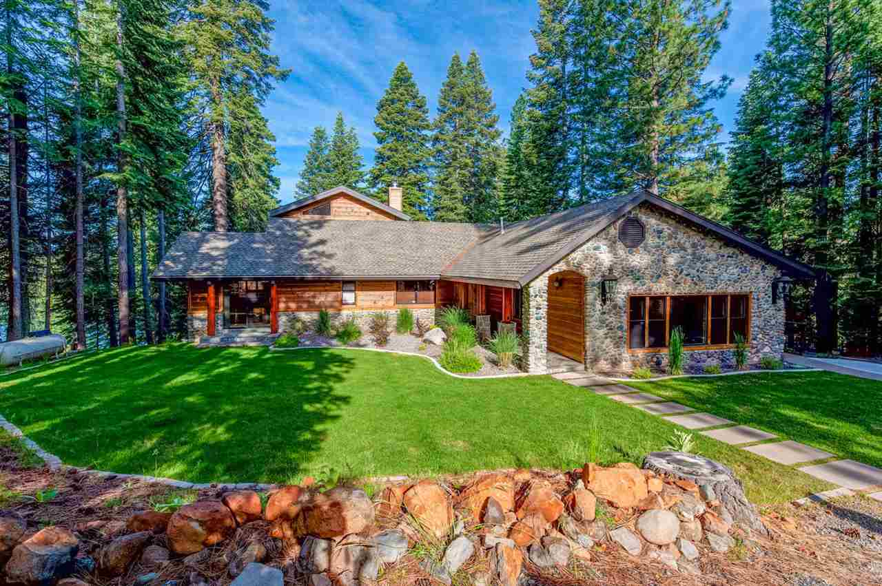 Single Family Homes 为 销售 在 143 Lake Almanor West Drive Westwood, 加利福尼亚州 96137 美国