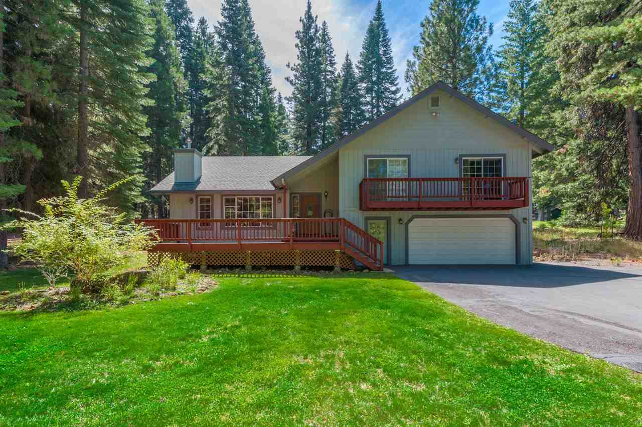 Single Family Home for Active at 260 Lake Almanor West Drive 260 Lake Almanor West Drive Chester, California 96020 United States
