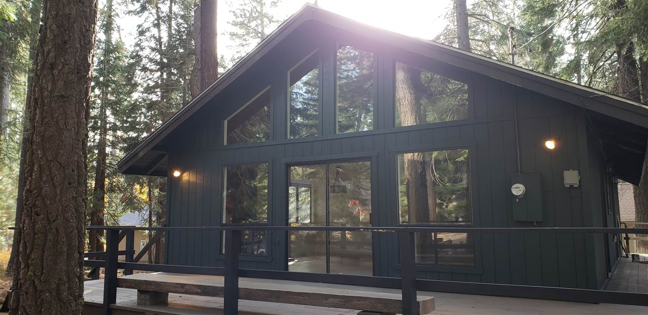 Single Family Home for Active at 463-010 Clear Creek Drive 463-010 Clear Creek Drive Lake Almanor, California 96137 United States