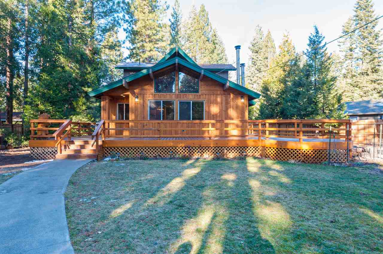 Single Family Home for Active at 3708 Park Hill Drive 3708 Park Hill Drive Lake Almanor, California 96137 United States