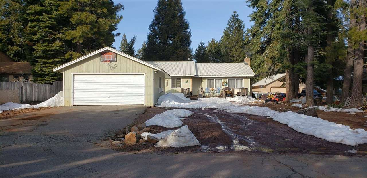Single Family Home for Active at 3629 Woodlake Drive 3629 Woodlake Drive Lake Almanor, California 96137 United States