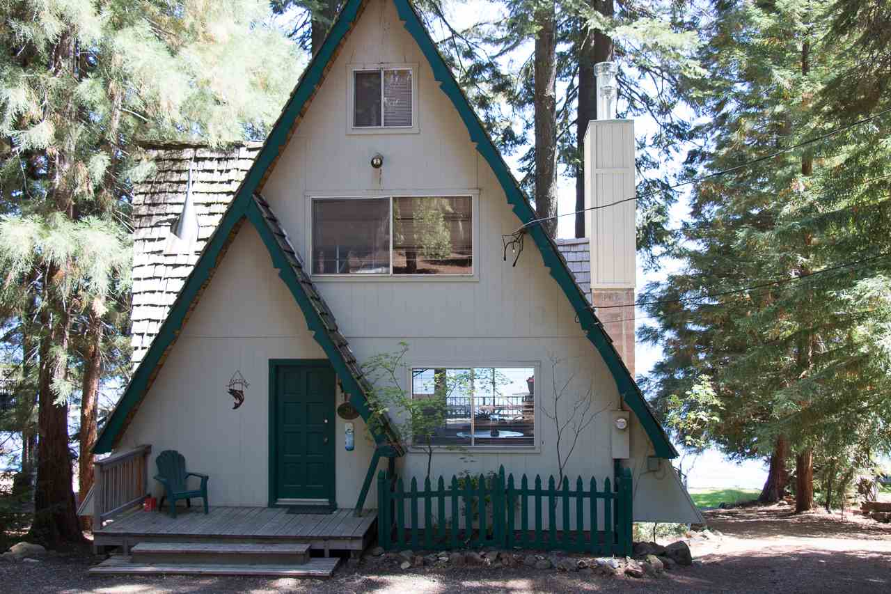 Single Family Home for Active at 714 Peninsula Drive 714 Peninsula Drive Lake Almanor, California 96137 United States