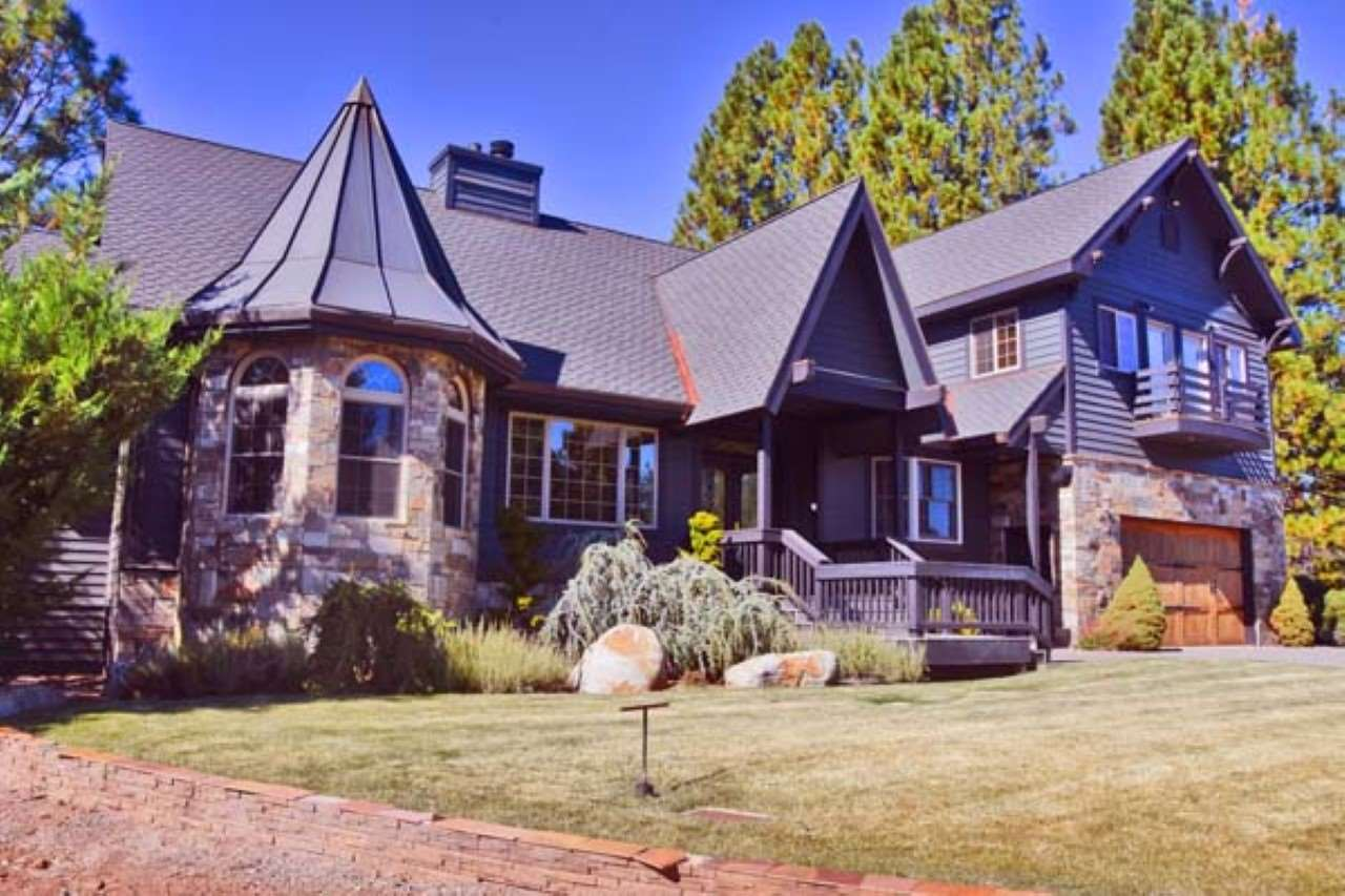 Single Family Home for Active at 267 Flint Way Lake Almanor, California 96137 United States