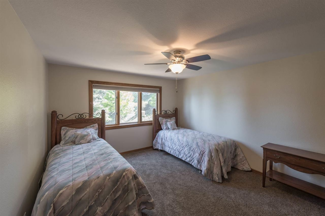Additional photo for property listing at 123 Lake Almanor West Drive Chester, 加利福尼亚州 96020 美国