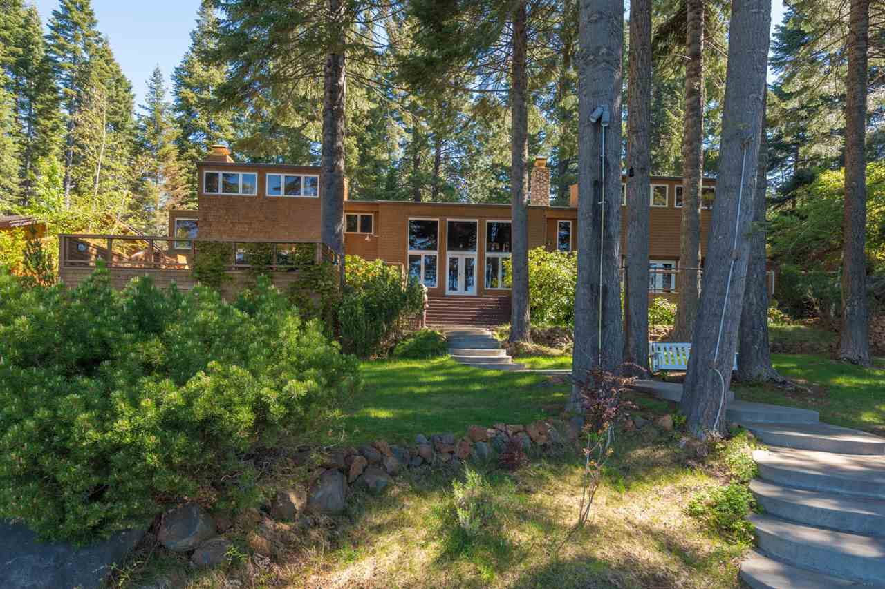Single Family Homes por un Venta en 1327 Lassen View Drive Lake Almanor, California 96137 Estados Unidos