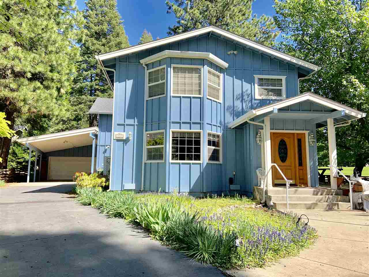 Single Family Homes for Active at 818 Lassen View Drive Lake Almanor, California 96137 United States