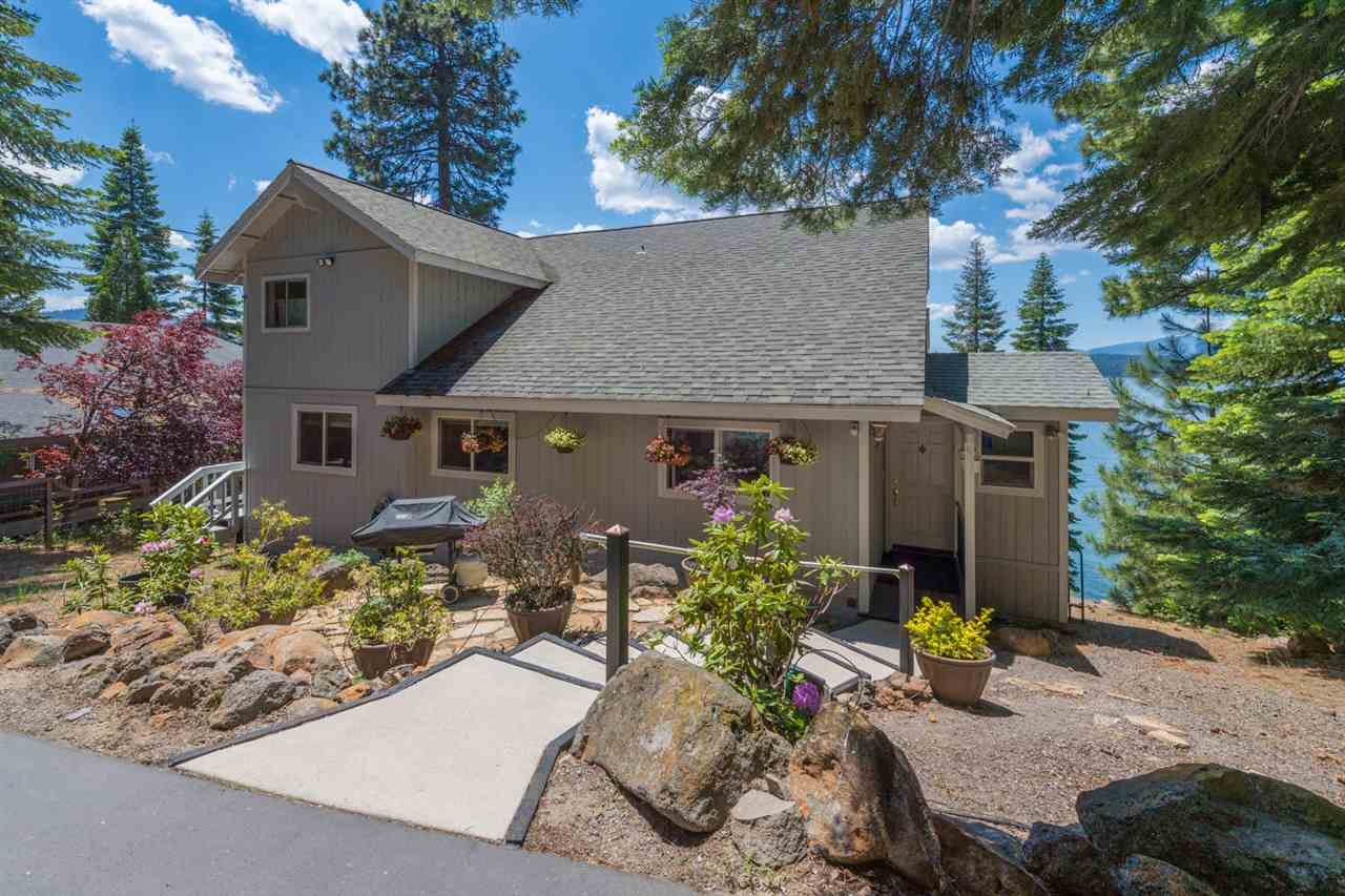 Single Family Homes 为 销售 在 1309 Lassen View Drive Lake Almanor, 加利福尼亚州 96137 美国