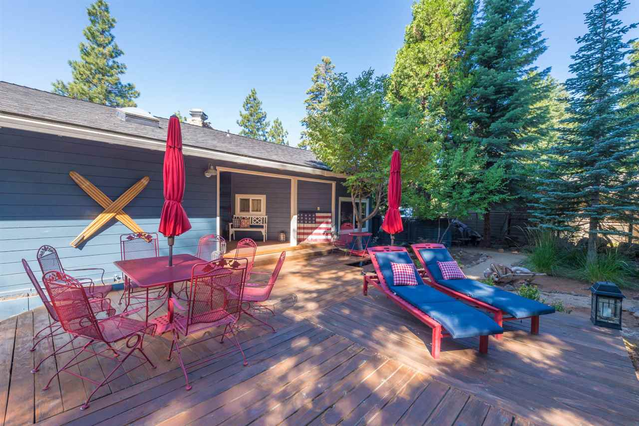 Single Family Homes for Active at 1343 Lassen View Drive Lake Almanor, California 96137 United States
