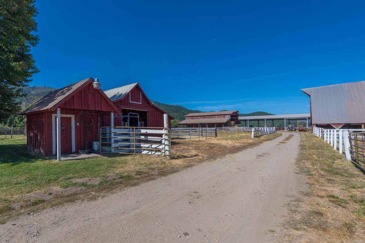 Additional photo for property listing at 4481 Nelson Street Taylorsville, California 95983 Estados Unidos