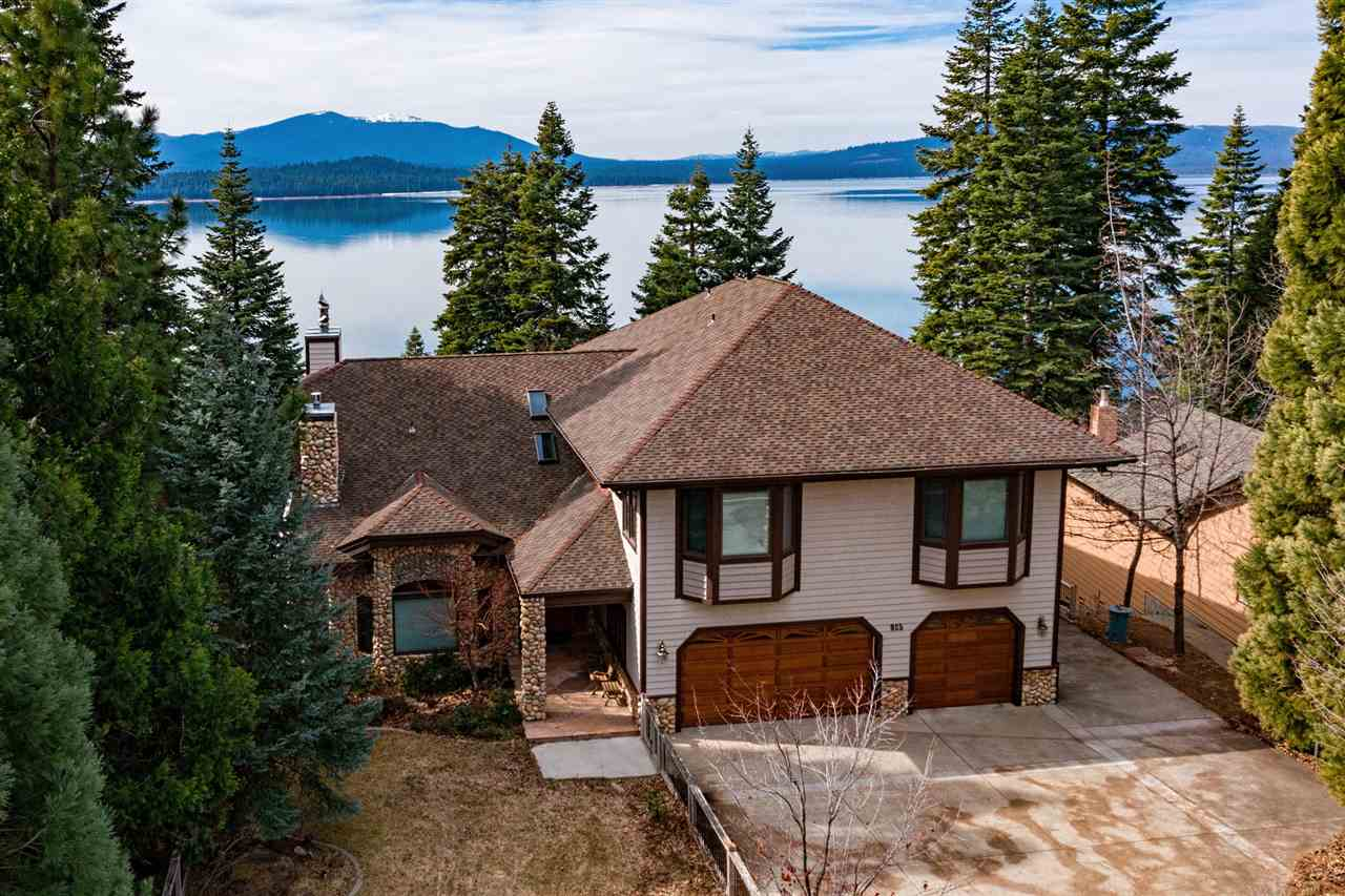 Single Family Homes 为 销售 在 925 Lassen View Drive Lake Almanor, 加利福尼亚州 96137 美国