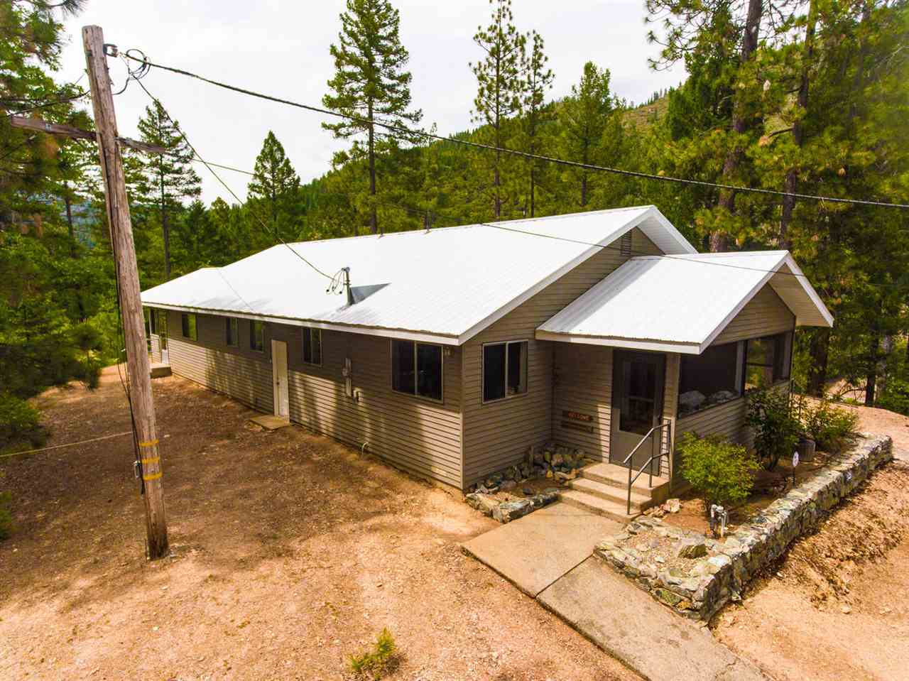 Single Family Homes for Active at 18176 Rich Bar Road Belden, California 95915 United States