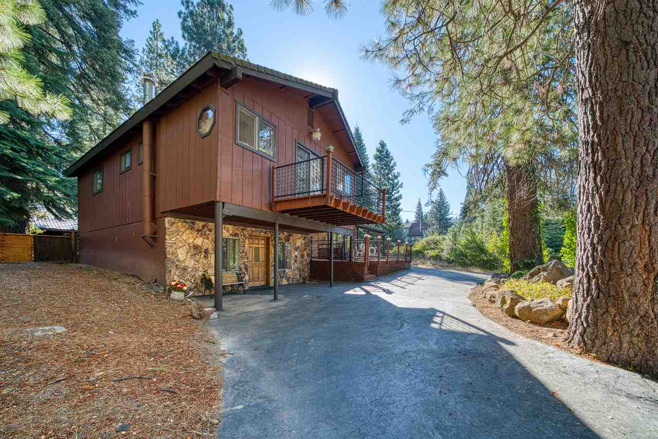Single Family Homes for Active at 3665 Lake Almanor Drive Hamilton Branch, California 96137 United States