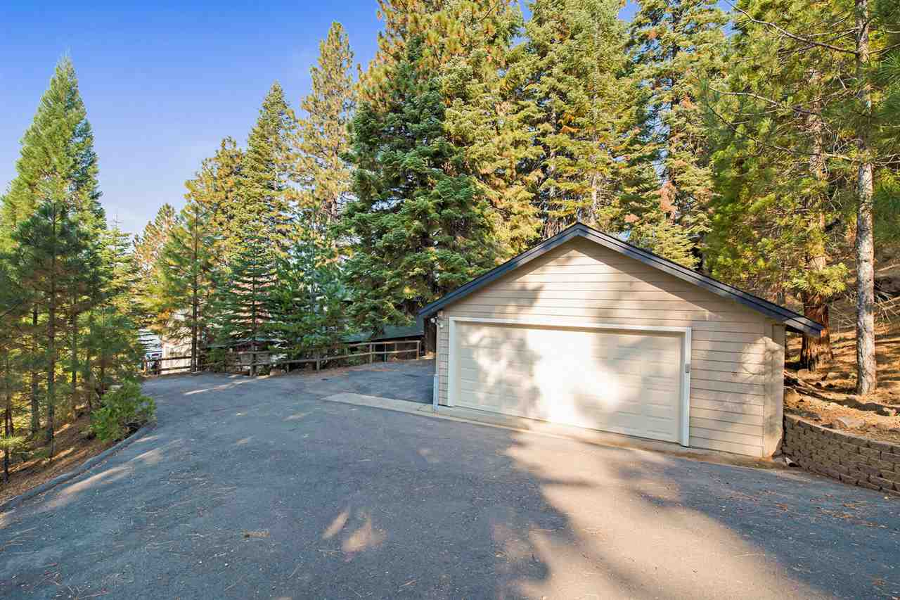 Single Family Homes for Active at 1219 Driftwood Cove Road Lake Almanor, California 96137 United States