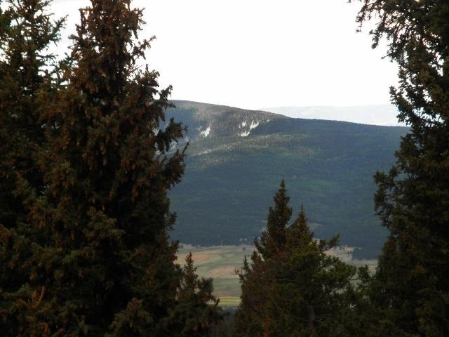 Mountain top lot with a great building site
