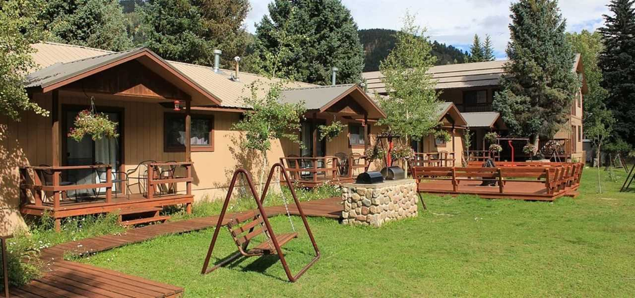 307 River Street, Red River, NM 87558