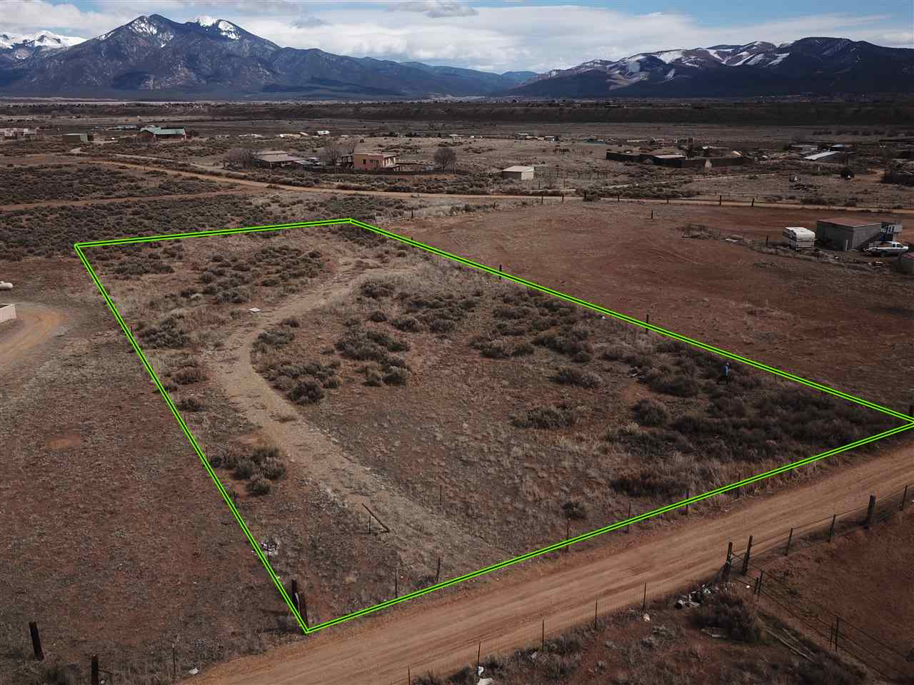 17 Garcia Lane, El Prado, NM 87529