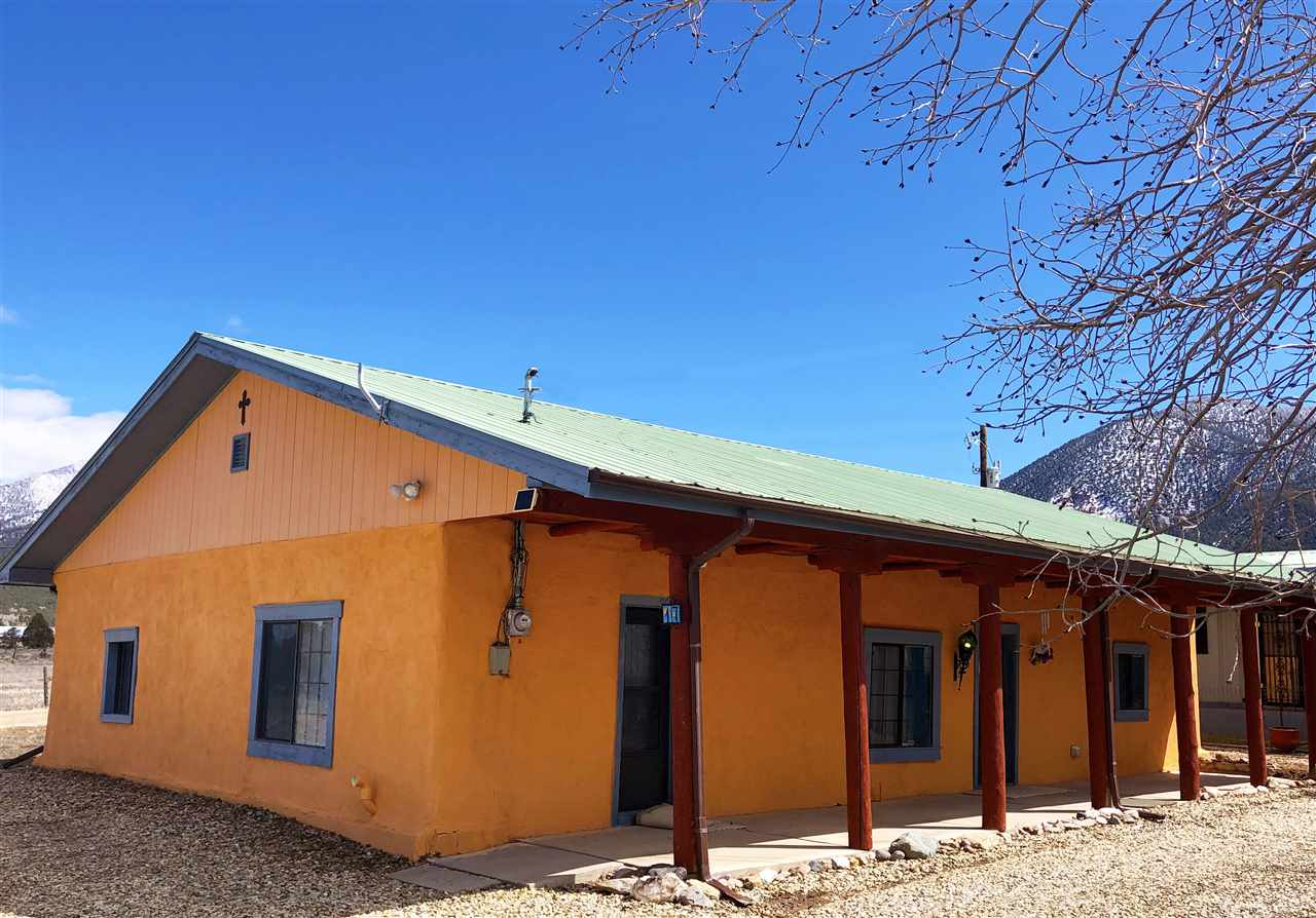 17 and 19 Avenida de Eliz, Questa, NM 87556
