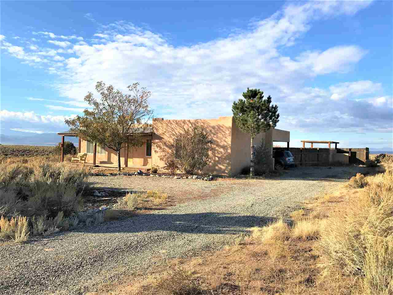 54 Colonias Point, Taos, NM 87571