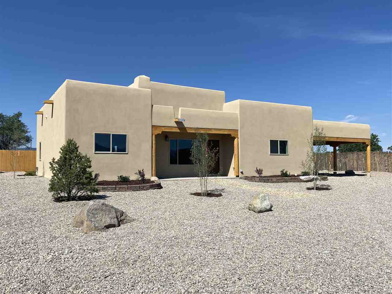 144 Medina Lane, Ranchos De Taos, NM 87557