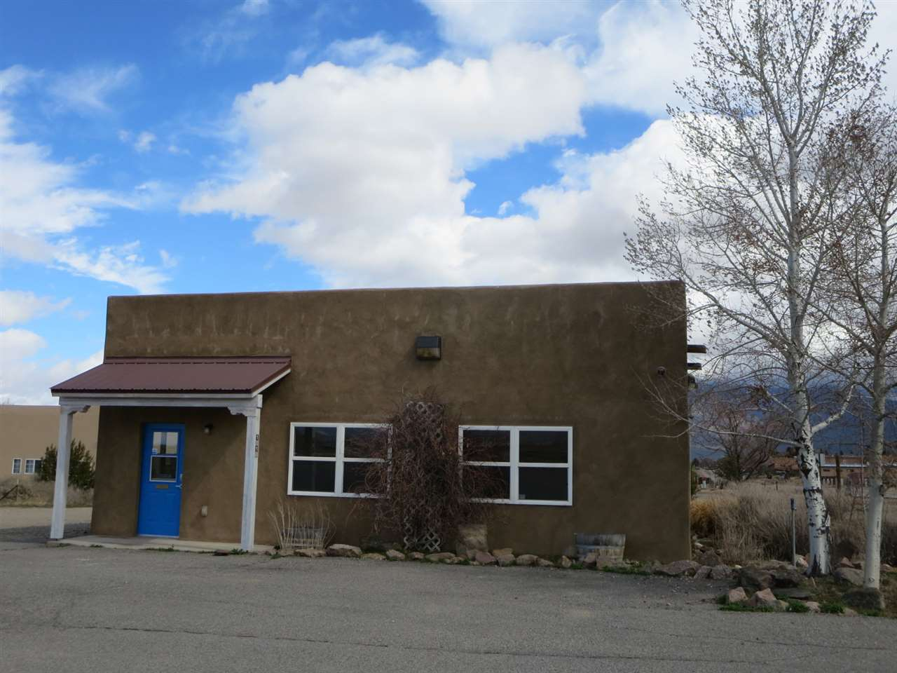 1310 Gusdorf Road, Taos, NM 87571