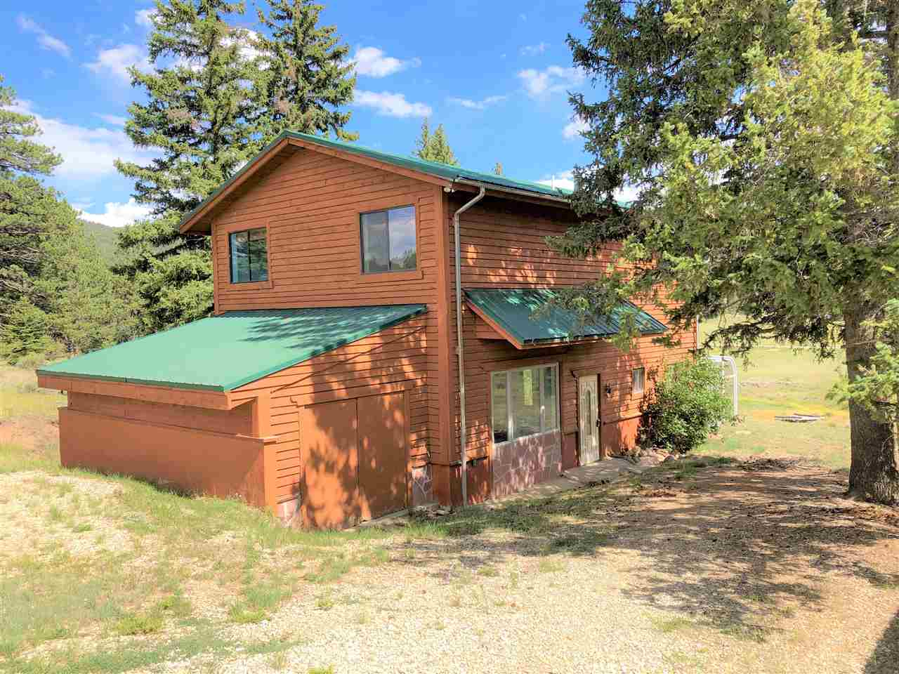 18 Golf Course Road, Taos, NM 87571