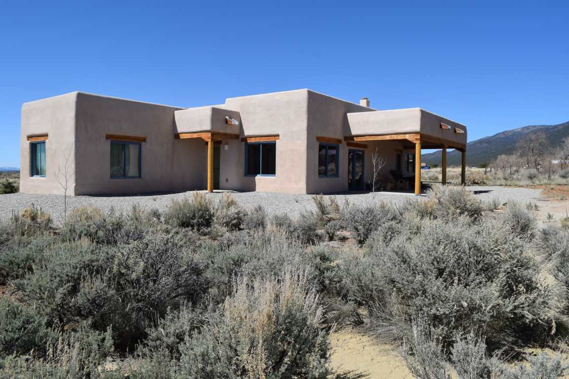 497 Hondo Seco Road, Arroyo Seco, NM 87514
