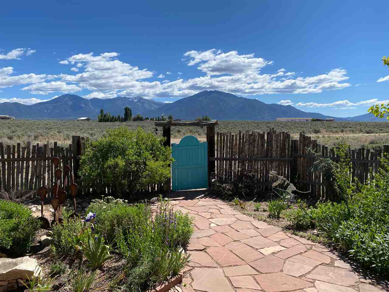 44 Colonias Pointe Drive, El Prado, NM 87529