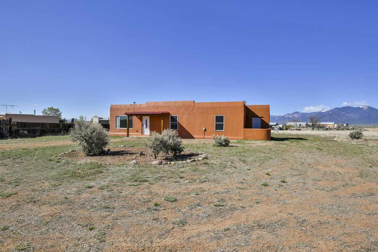 99 West Romero Rd, Ranchos de Taos, NM 87557