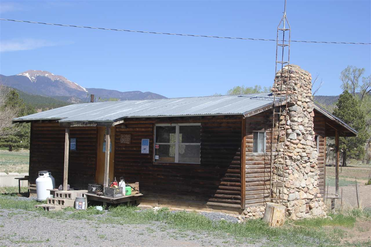 78 Hummingbird Lane, Ute Park, NM 87718