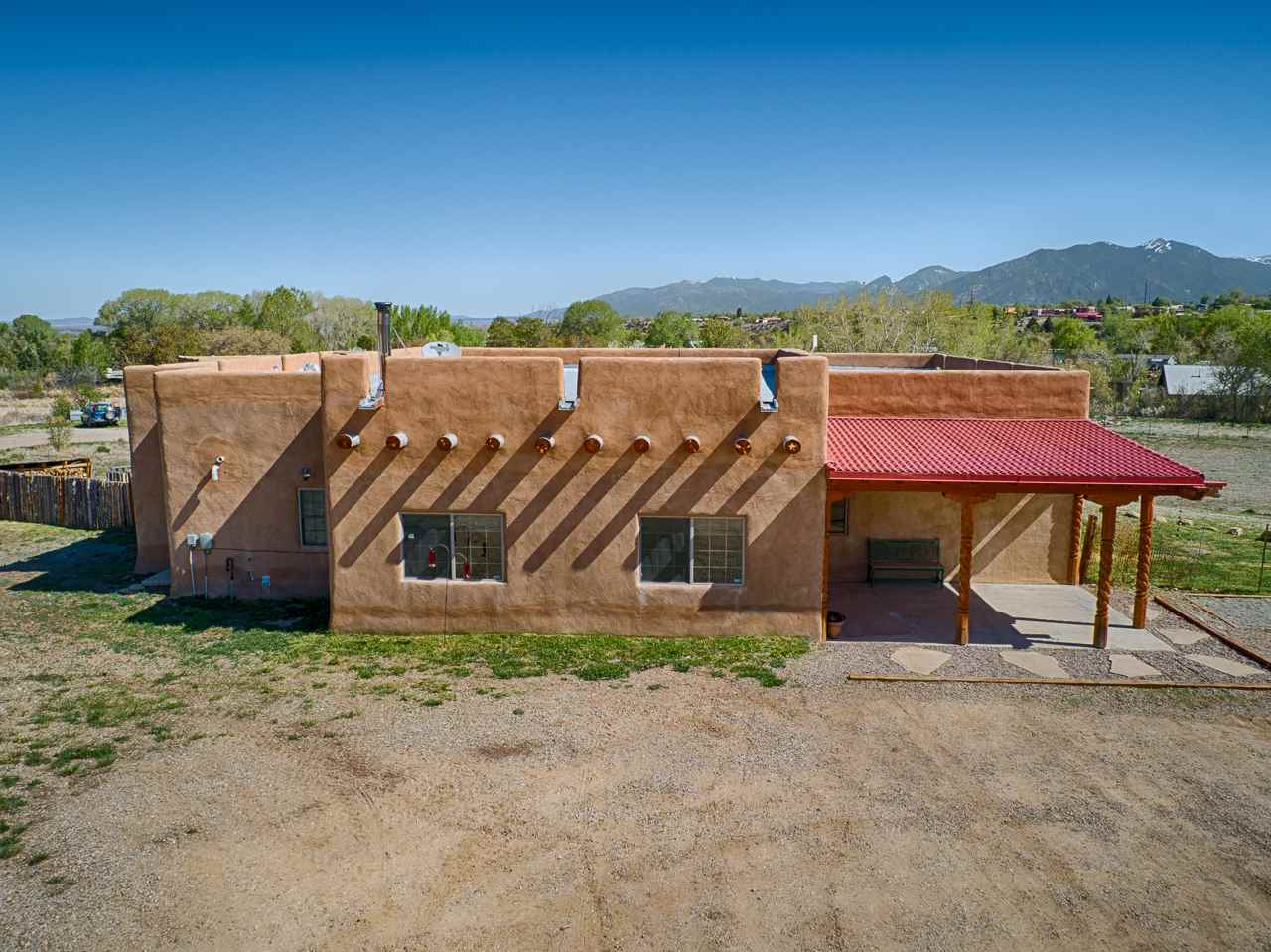 110A Vista Del Valle, Ranchos De Taos, NM 87557