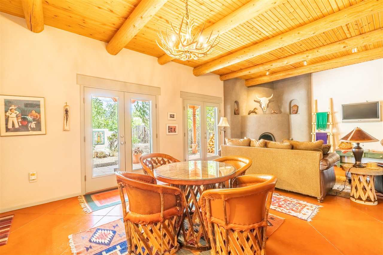 318 South Trapper, Taos, NM 87571