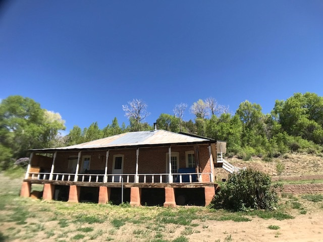 425 State Road 230, Arroyo Seco, NM 87514