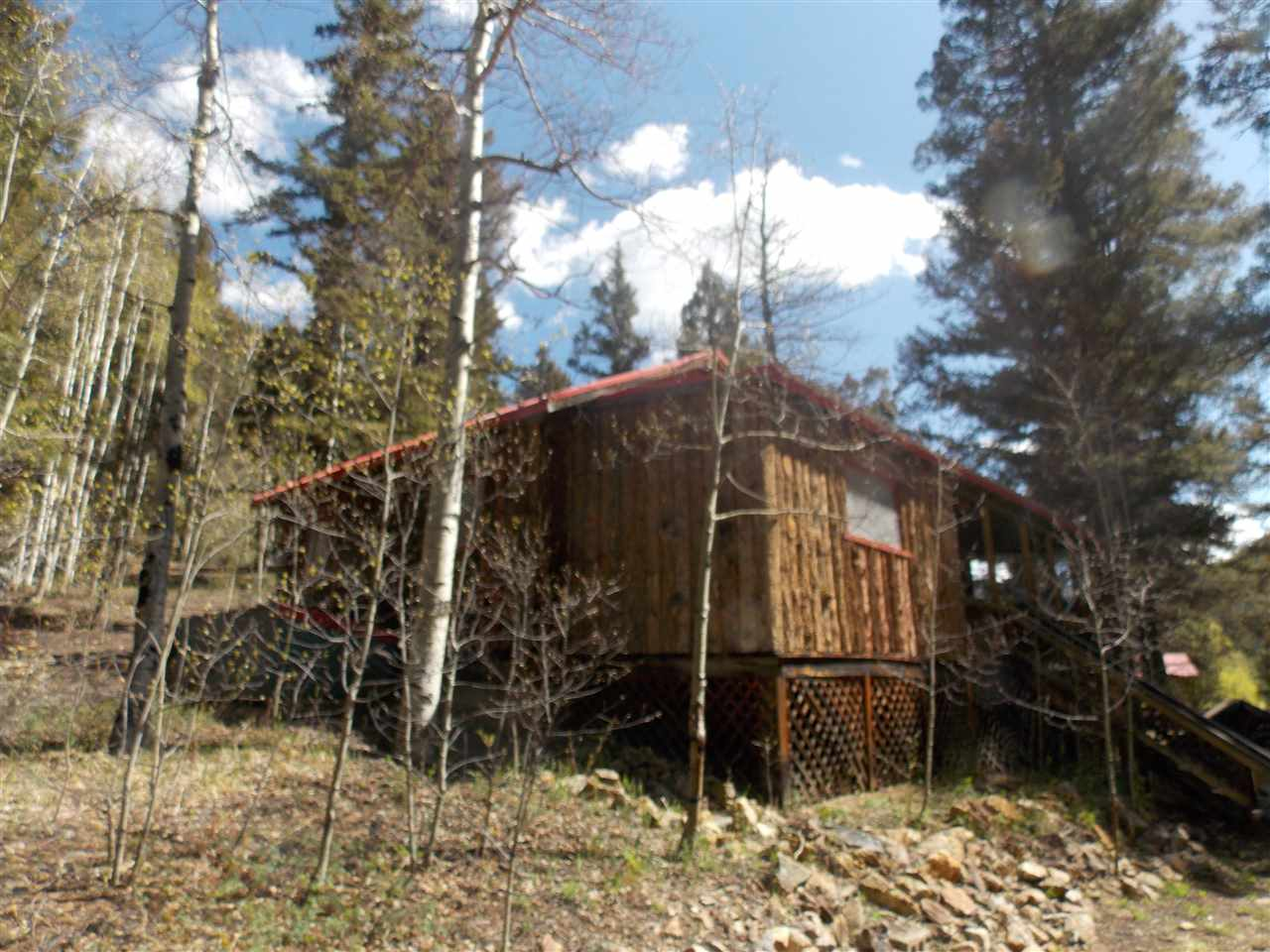 9 Bitter Creek Road, RED RIVER, NM 87558