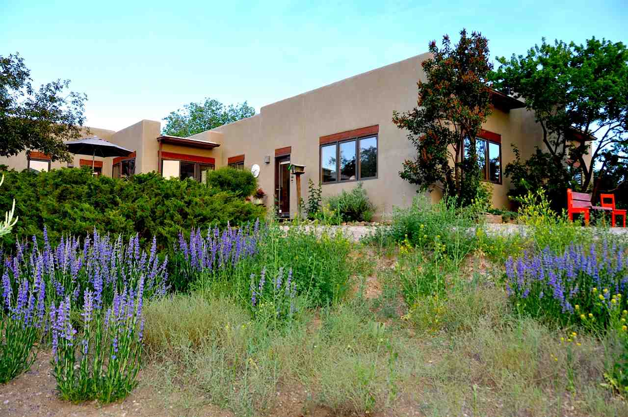 1505 Foothills Trl, Taos, NM 87571