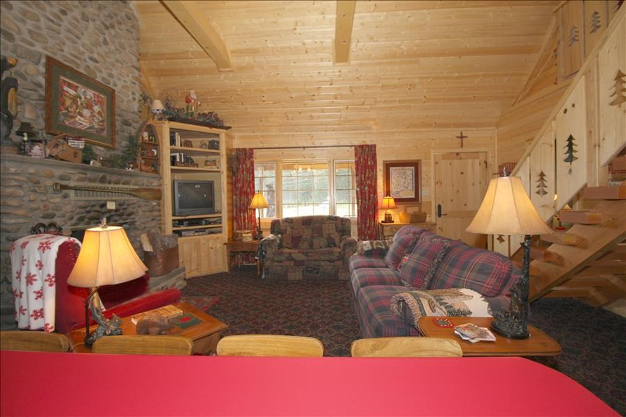 77 Upper Red River Valley Rd, Red River, NM 87558