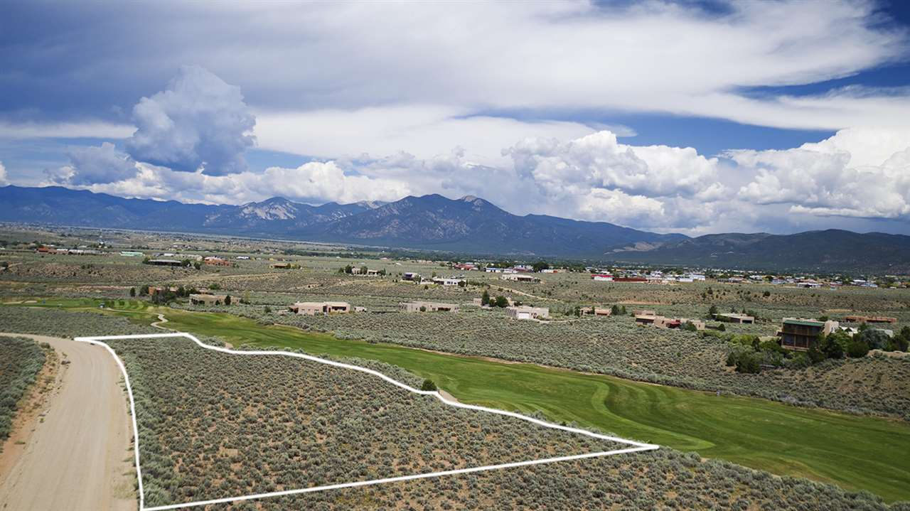 Lot 34 Taos County Club, Ranchos de Taos, NM 87557