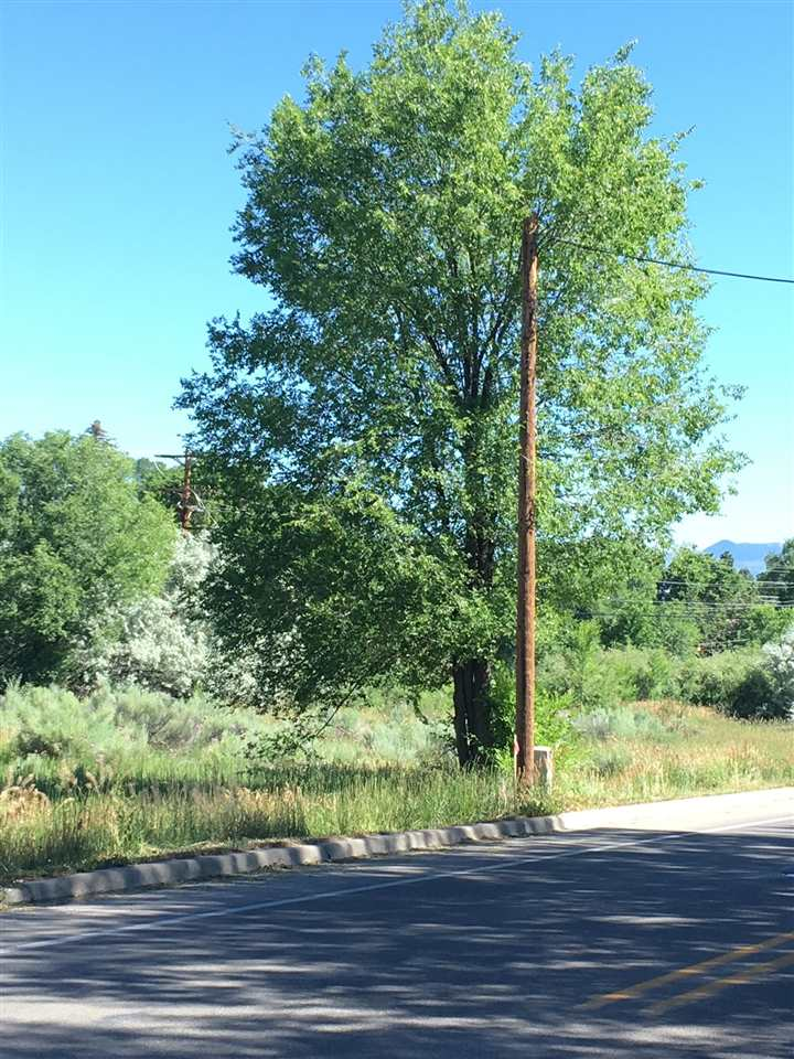 316 Salazar Road, Taos, NM 87571