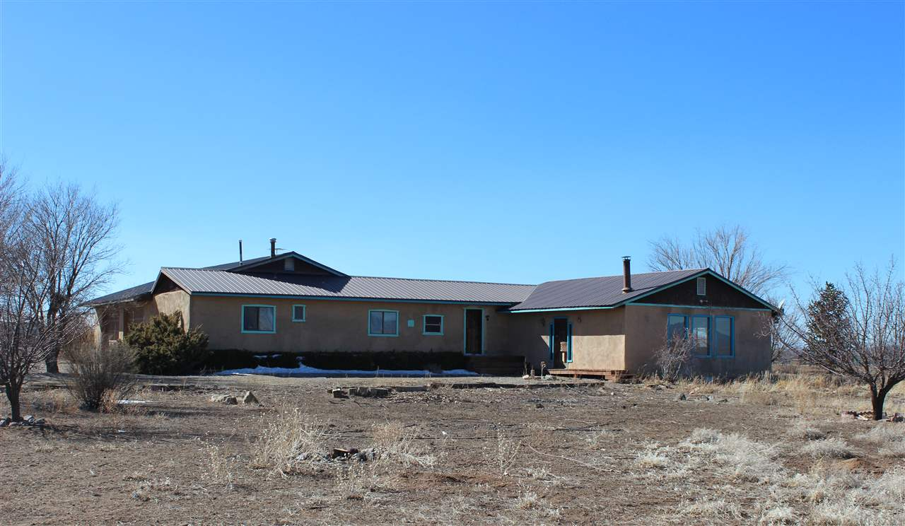 32 Larrea Lane, Ranchos de Taos, NM 87557