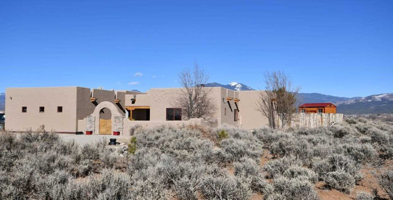 8 Calle Angelo, Taos, NM 87571