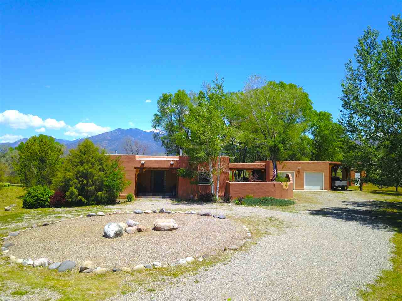 707 Ranchitos, Taos, NM 87571