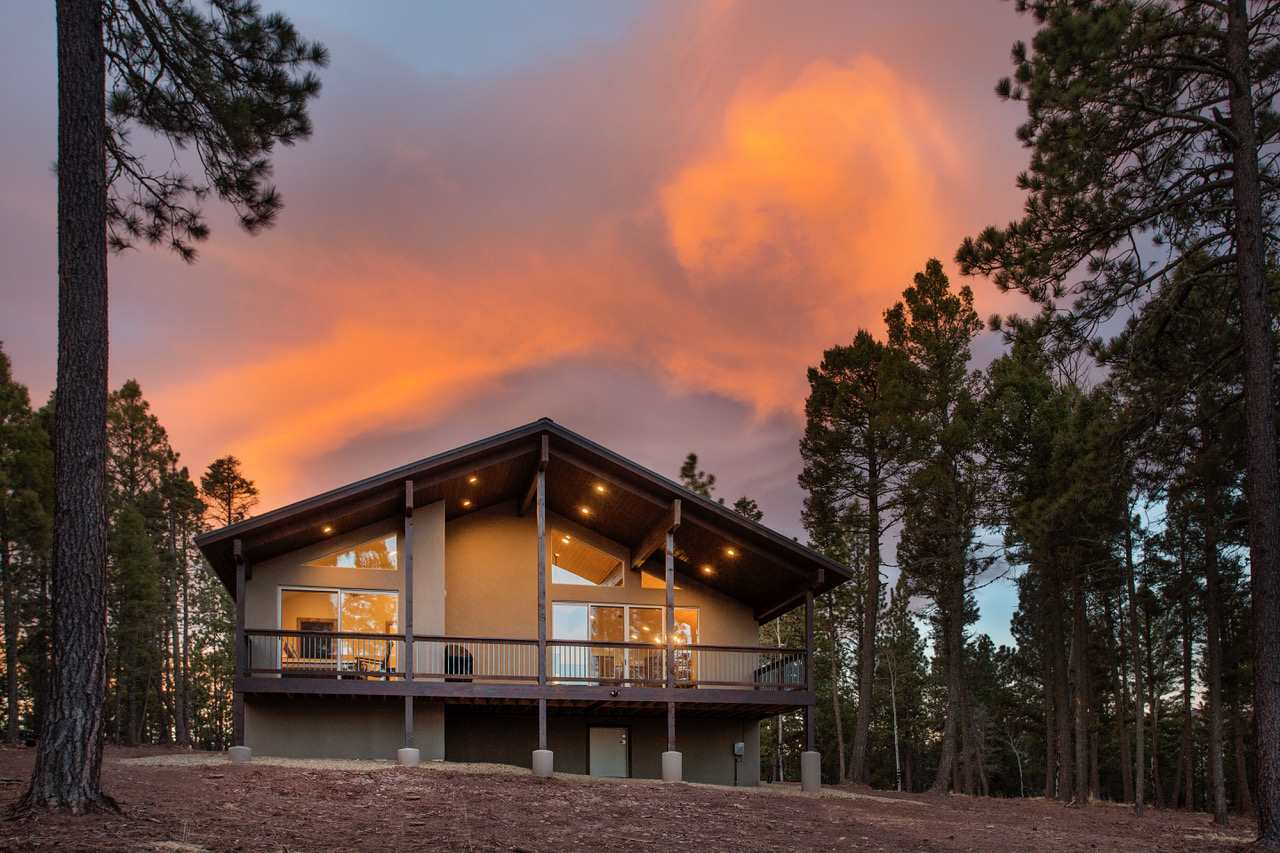 21 Luna Drive, Angel Fire, NM 87710